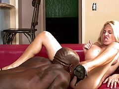 Dirty milf gets ravaged by black hunk in sexy interracial hardcore porn show