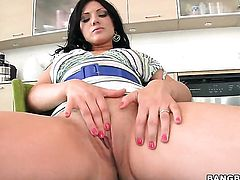 Senora Ava Rose with phat butt and Luscious Lopez spend their sexual energy together