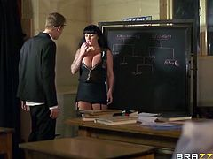 Stunning MILF brunette Kerry Louise is ready for some hardcore drilling with her boss. After sucking on his meaty cock she begs him to stick it into her wet pussy.