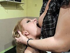 Blonde Katy Parker and Valentina Valenti stars in hot lesbian action