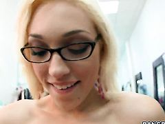 Lily Labeau gets the hole between her legs fucked hard
