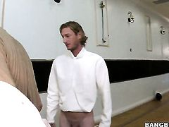 Isis Taylor with big ass and Jeanie Marie are two lovely lesbians that love pussy rubbing
