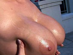 Sweetie amazes with ehr perfect tits in one naughty outdoor solo scene