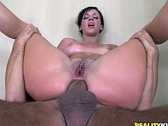 What a hot and sensual porn video we offer you in here! Sexy Jada Stevens gives a sensual head and gets his cock in her asshole.