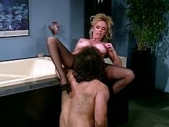 "Big assed hairy pussy blond babe with gorgeous Tatas gets her pinkish ""babe «mesmerizingly licked and pays by swallowing enormous cream stick deep throat. Look at this busty blondie in The Classic Porn sex clip!"