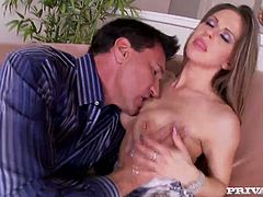 Busty babe Rachel Roxxx gets her pussy expertly eaten out