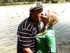 Blonde Sunny Diamond enjoys guys love torpedo in her mouth in crazy oral action