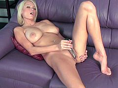 Big tits blonde cougar amazes with her naughty skills in masturbating