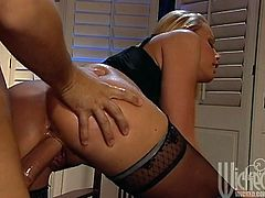 What a sizzling and shinning babe Nicole Sheridan is! Babe loves sucking it in a deepthroat and then his cock moves in her anal path!