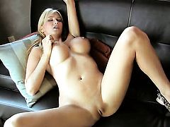 Blake Rose inserts vibrator in her love hole