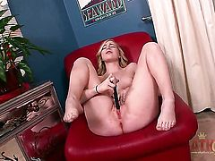 Blonde Stacie Jaxxx strips down to her bare skin for your viewing pleasure