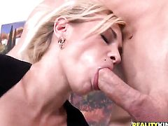 Blonde is desperate for oral sex and Jordan Ash knows it