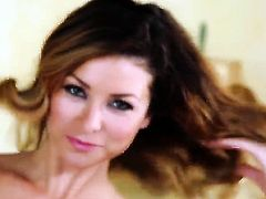 Heather Vandeven cant live a day without toying her pussy hole