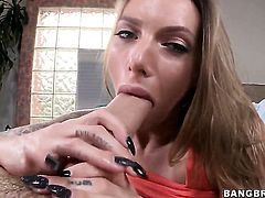 Juelz Ventura is on the way to the height of pleasure with her mans meat stick in her mouth