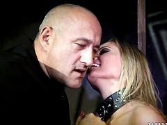 Vanda Lust inn a leash is dominated by guy