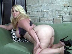 Watch big ass blonde in solo action