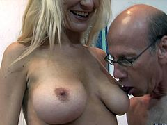 Robbye Bentley is a cock thirsty blonde milf having her wet pussy drilled by this guy's thick cock as you hear her moan.