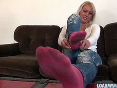 Load My Mouth brings you a hell of a free porn video where you can see how the lovely belles Amirah Adara, Nasta Zya and their gfs show their feet in some very hot poses.