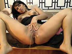 Horny and filthy brunette with nice body shows her clit