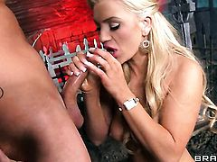 With huge knockers and Van Wylde enjoy sex they will never forget