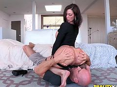 Johnny and milf Kendra kiss, before she shows of her mazing round ass. He sticks his face in her ass crack, to eat her asshole and pussy. She wants more, so she sits on his face. Now she is down on her knees, sucking him hard and fast. What a sexually aggressive milf she is!