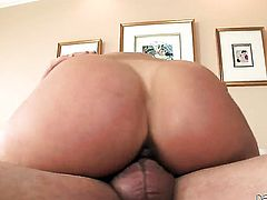 Phyllisha Anne enjoying the earth moving anal fuck