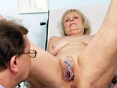 Mature lady feels extremly horny after having the doc fingering her twat