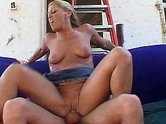 Feeling the cock sliding perfectly up her holes makes her to scream
