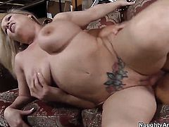 Rocco Reed makes his erect tool disappear in unbelievably sexy Rachel Loves twat