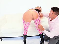 Lewd blonde Samantha Saint spreads her legs wide and lets some dude eat her snatch. Then they fuck doggy style and in cowgirl position and enjoy it much.