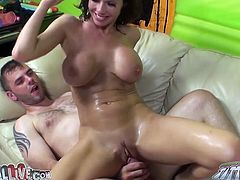 Curly haired bodacious Sweetie with amazing boobies rode that big schlong in cowgirl pose a bit. Later she got presented sideways fuck. Have a look at this filthy wench in My XXX Pass sex video!