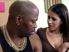 Mofos presents the official free video of Gator's Dirty Secret featuring Hailey Murphy, XXX amateur video from Milfs Like It Black.See how this busty brunette babe with hot cunt getting fucked by big black cock.This lucky black dude fucks her hard and deep with his monster stick.