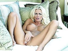 With giant tits and trimmed beaver makes her sexual fantasies cum true in solo scene