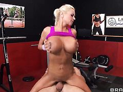 Johnny Sins gets pleasure from fucking fuck hungry Nikita Von Jamess fuck hole