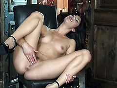 Anna Morna with small tities and hairless muff is ready to dildo fuck her hole on cam all day long