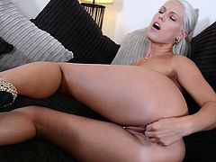 Horny slut Blanche Bradburry rubbing her muff solo XXX video