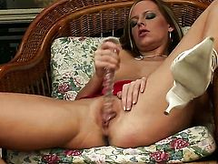 Carmen Gemini enjoys great solo session