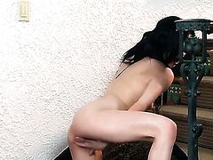 Aiden Ashley gives a closeup of her slit as she masturbates