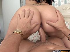 Ava Rose rides hard cock like a champ. She shows us her perfect ass with every cowboy and reverse cowboy whacking she enjoys. There is no doubt that she can do anything.