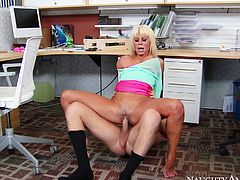 Horny and attractive blonde with awesome body gets her dripping cunt drilled hard and sucks the dick. Have a look at this bitch in Naughty America sex video.