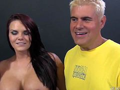 Hot and zealous sluts Nikki Sexx and Jennifer White please one lucky dude by sucking his cock in turns in FFM threesome.
