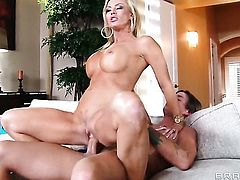 Bradley Remington attacks attractive Amber LynnS fuck hole with his love torpedo