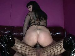 Wanna see something really kinky? How about sext tranny fucking big ass girl? Voluptuous beauty gives blowjob to her ladyboy and rides her cock like a cowgirl.