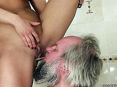 Blonde Nikky Thorne cant wait to be slammed by her hot dude