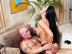 Elegant black haired mommy Ava Addams shakes her big jiggly boobs while riding massive dick of Derrick Pierce in reverse cowgirl pose. Later Ava spreads her booty taking it up her coochie doggystyle.