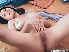 Amazing dark haired bitch with awesome curve spreads her legs talking to her Bf and shows her pussy. Have a look at thus chick in The Indian Porn sex clip.