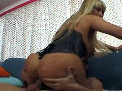Lustful cougar babe with big tender boobs and king sized butt gives blowjob to her cocky stud. Voluptuous madam rides that dick on top and gets her furry coochie fucked on her side from behind.