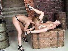 Brunette gets her honeypot rubbed by Cindy Hope in girl-on-girl action for your viewing enjoyment