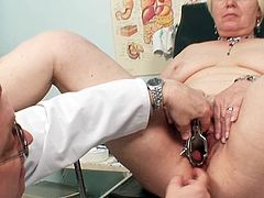 Full gyno exam for Bozena