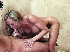 Although she is a 40 years old lady she still looks hot! Sizzling hot mature woman is the boss when it comes to sex. She fucks this young stud on top. She feels he's about to cum and finishes him off with a blowjob.